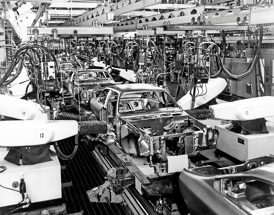 General Motors assembly line, Youngstown, Ohio, ca. 1972. Photo: Library of Congress/Getty Images.