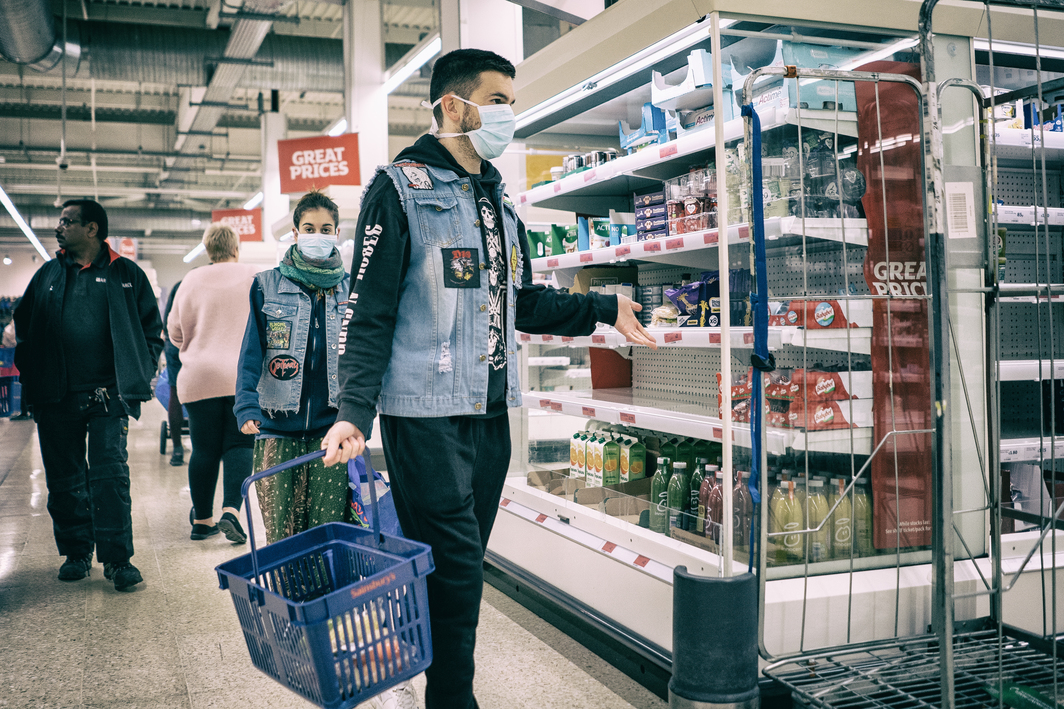 Grocery shoppers in London. Photo: Nickolay Romensky.
