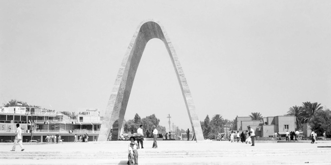 Monument to the Unknown Soldier in Baghdad, 1959. Courtesy of Tamayouz Excellence Award, Rifat Chadriji Photographic Archive.