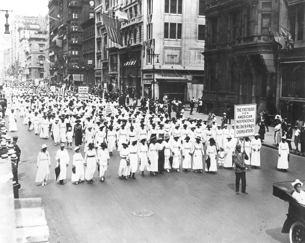 Underwood & Underwood, Photograph of Silent Protest Parade, July 28, 1917. Photo: Wikimedia Commons.