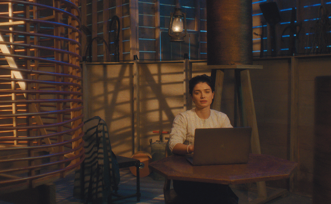 Michael Almereyda, Tesla, 2020, 2K video, color, sound, 102 minutes. Anne Morgan (Eve Hewson).