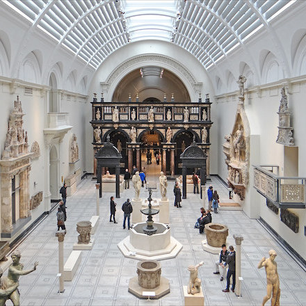 A Renaissance gallery in the Victoria & Albert Museum. Photo: Jean-Pierre Dalbéra/Flickr.