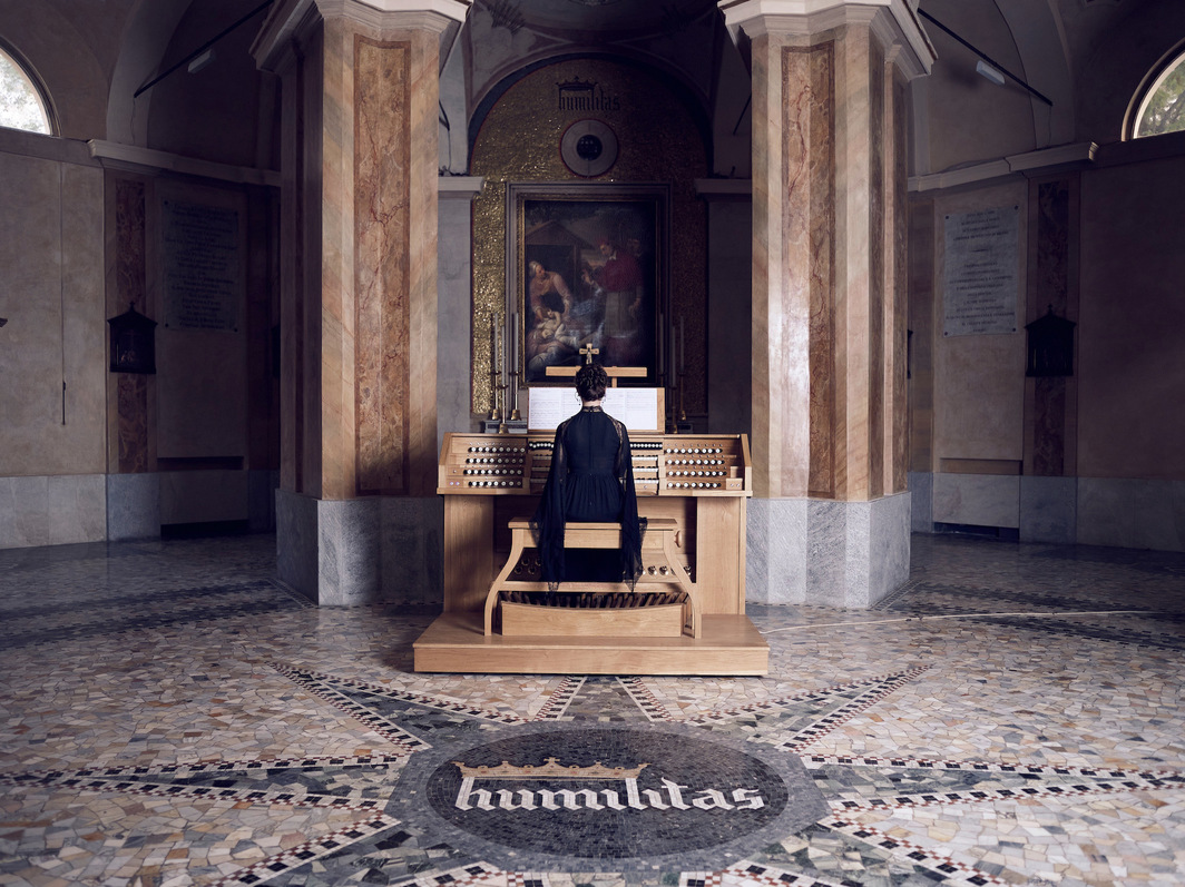 Ragnar Kjartansson, The Sky in a Room, 2018–2020 Performance view, the Church of San Carlo al Lazzaretto, Milan, Italy, 2020. Photo: Marco De Scalzi.