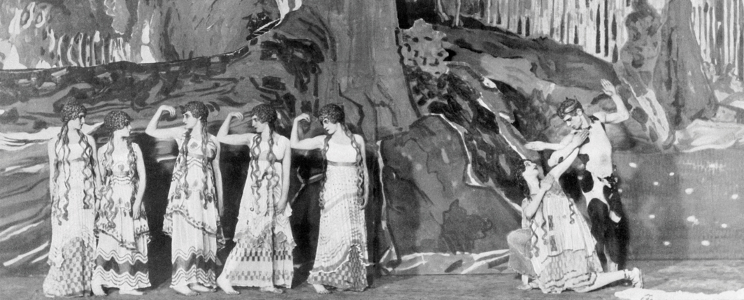 Vaslav Nijinsky, L'après-midi d'un faune (The Afternoon of a Faun), 1912. Performance view, Théâtre du Châtelet, Paris, May 29, 1912. Far right: Lydia Nelidova and Vaslav Nijinsky. Photo: Edward Gooch Collection/Stringer/Getty Images.