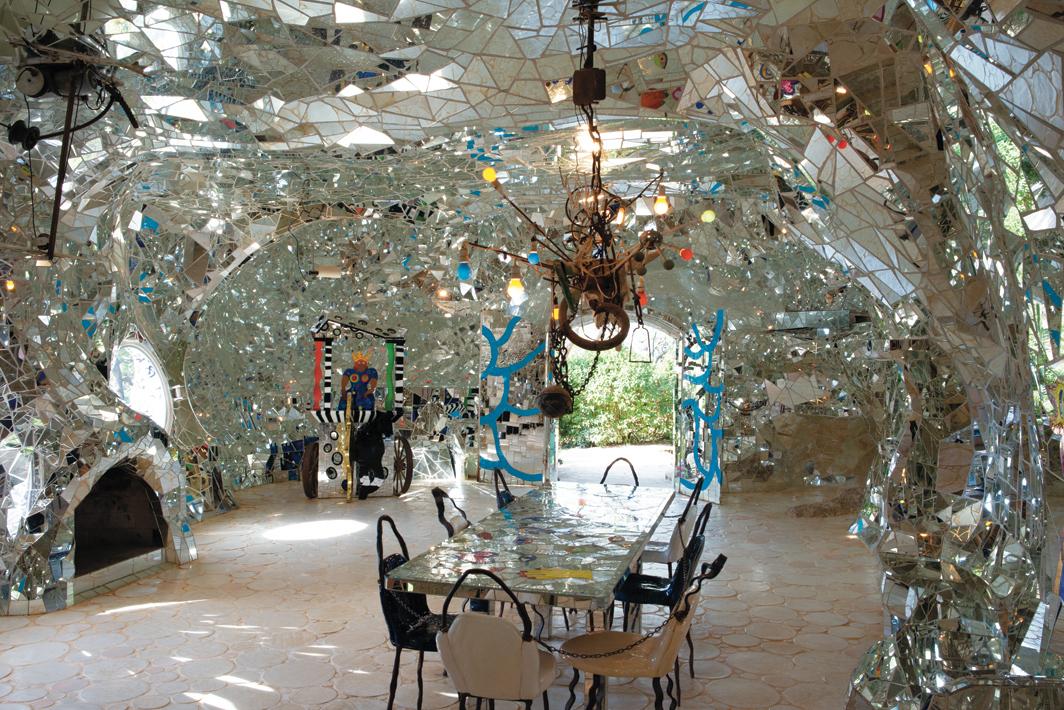 Niki de Saint Phalle, L'impératrice (The Empress) (detail), 1982–89, concrete, ceramic mosaic, mirror, glass, metal structure. Installation view, Garavicchio, Italy, 2016. From Tarot Garden, 1979–2002. Photo: Peter Grasner. © Fondazione Il Giardino Dei Tarocchi.