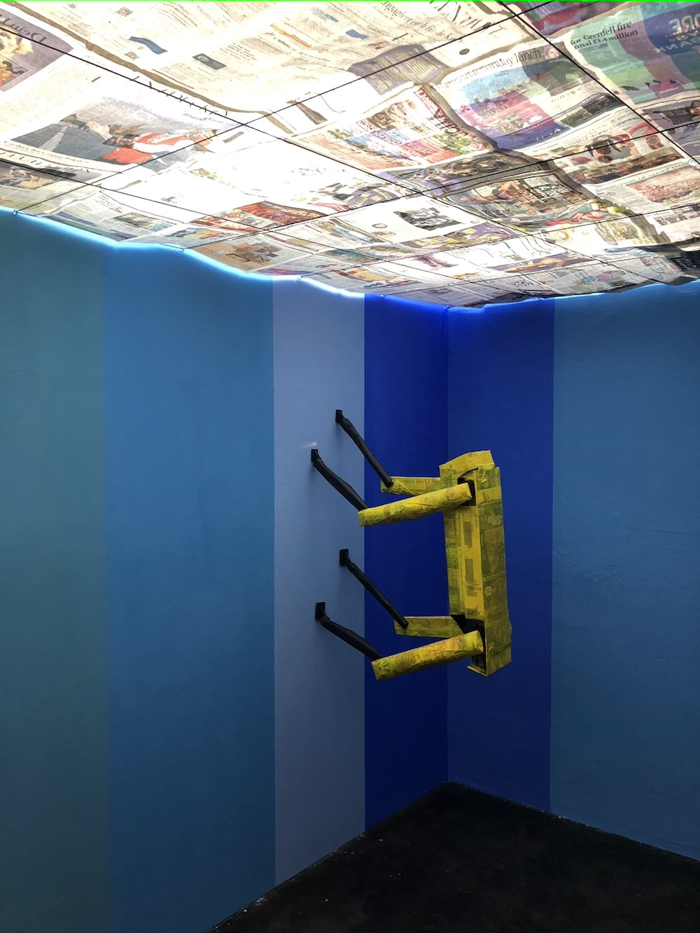 """At Richard Sides's show """"The Matrix"""" at Schiefe Zähne."""