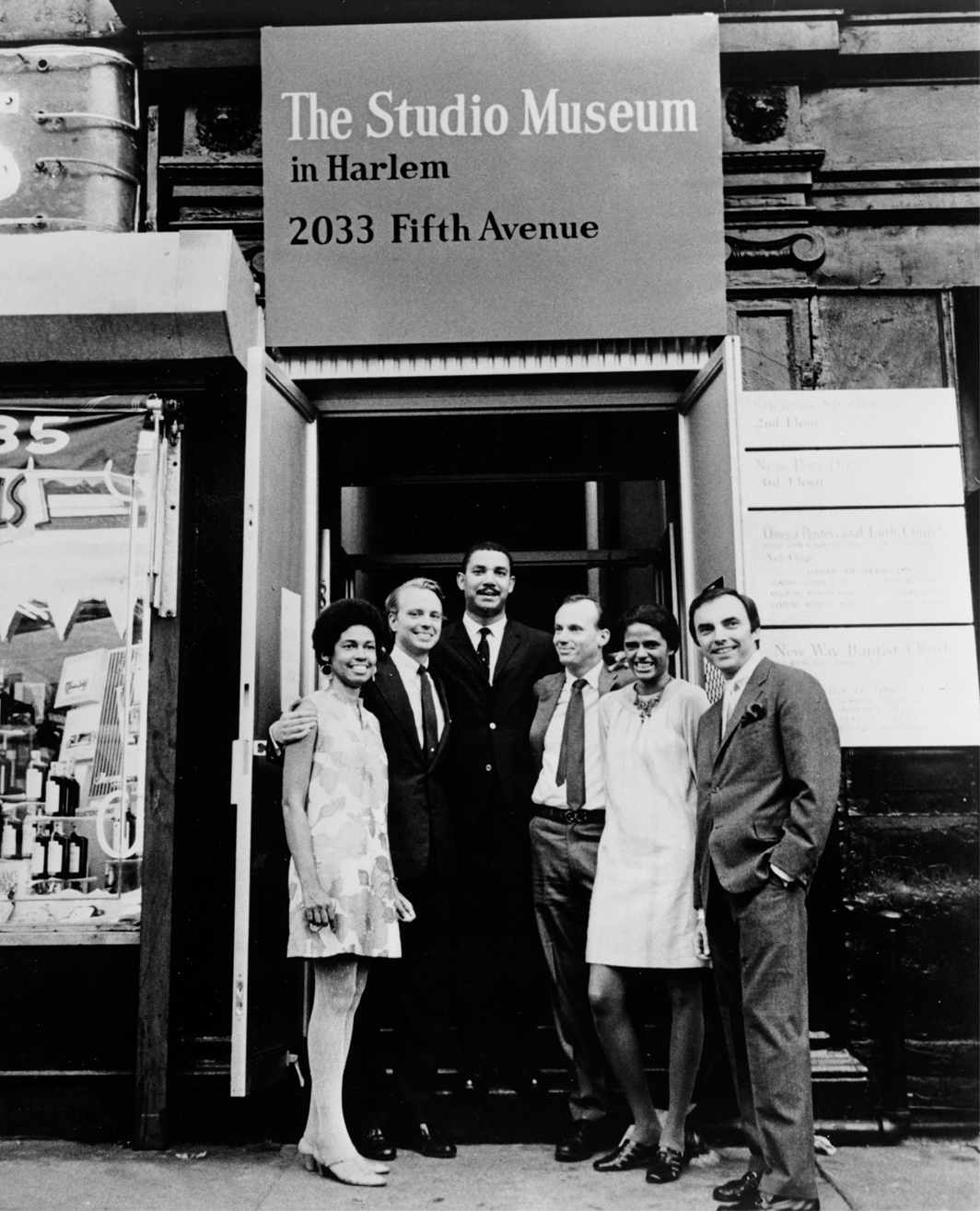 Opening of the Studio Museum in Harlem, New York, 1968. From left: Eleanor Holmes Norton, Carter Burden, Charles Inniss, Campbell Wylly, Betty Blayton-Taylor, Frank Donnelly. Photo: Jill Krementz.